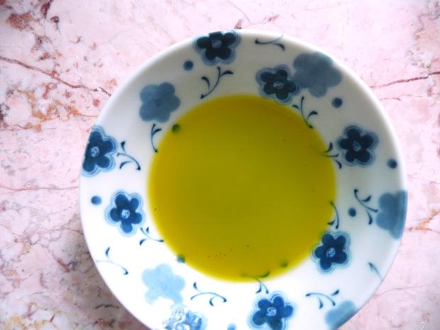 clove oil 3